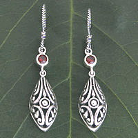 Hanging silver with gemstone Bali earring